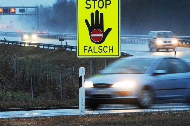 Polizei kann Geisterfahrerin nur durch Vollsperrung der A5 stoppen