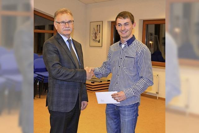 Maximilian Singler für Bildungsabschluss geehrt