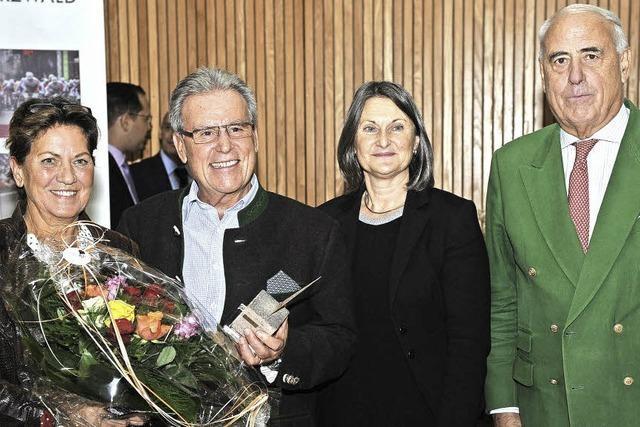 Altbürgermeister Hansjörg Eckert erhält Südbadischen Sportpreis