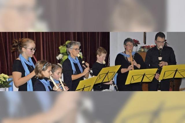 Zu Musik, Liedern und Geschichten gibt's Christstollen