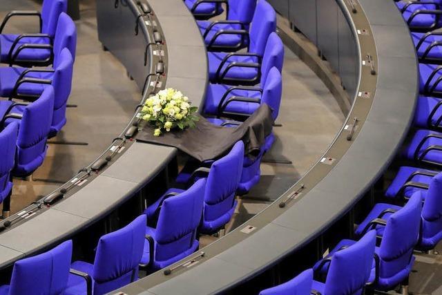 Bundestag beschließt Erhöhung des Kindergelds und kleine Steuerentlastung