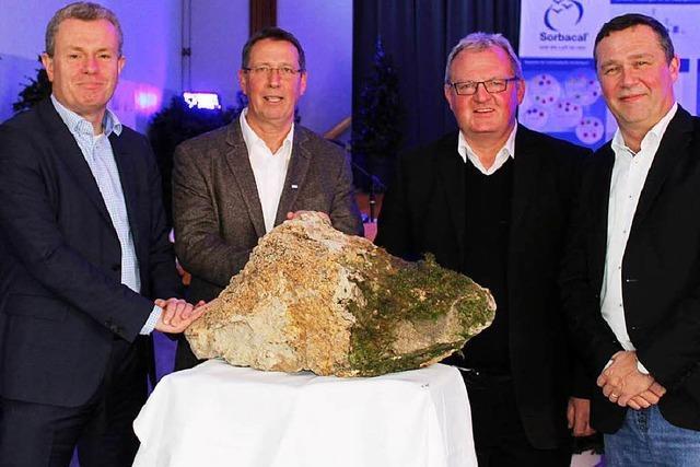 Kalkwerk Istein feiert neue Genehmigung für Kalksteinabbau