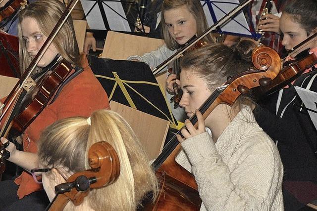Gemeinsames Orchester der Musikschule Südschwarzwald und Klettgaugymnasiums Tiengen