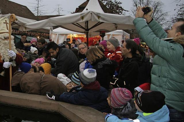 70 Anbieter und jede Menge Kunden beim Weihnachtsmarkt in Umkirch