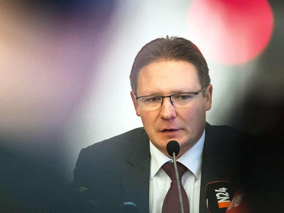 David Müller, Leiter der Sonderkommission Dreisam, bei der PK am Samstag  | Foto: dpa