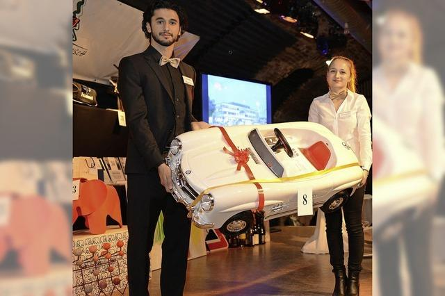 Kuriose Angebote bringen fast 53000 Euro für die Aktion Weihnachtswunsch der Badischen Zeitung
