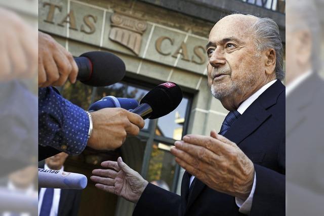 Blatter bleibt gesperrt