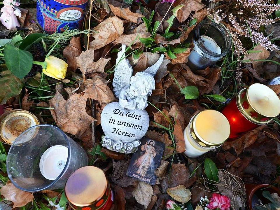 Kerzen zum Gedenken an Maria L.  | Foto: Rita Eggstein