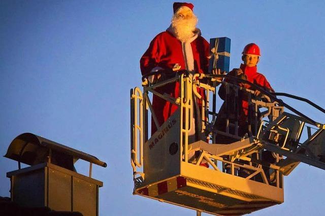 Der Nikolaus ist bei der Freiwilligen Feuerwehr Bad Säckingen