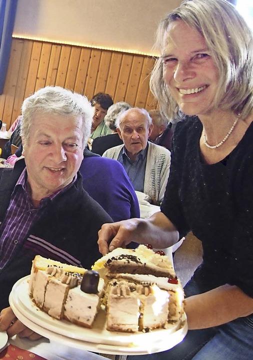 Schwer zu widerstehen den  Kalorienbomben des Krankenpflegevereins  | Foto: gabriele poppen