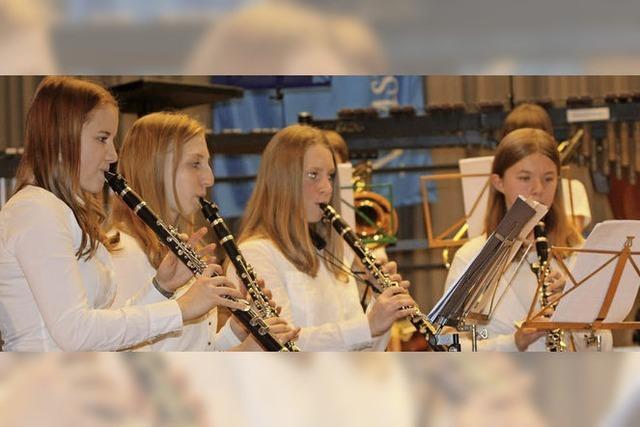 Musiker heben mit Reisefieber in ferne Länder ab
