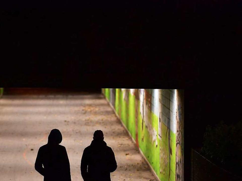 In jeder Gesellschaft kommt Kriminalität vor.  | Foto: dpa
