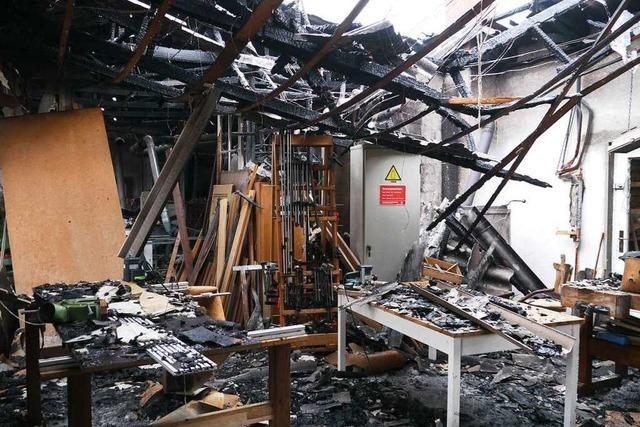 Brand in Schreinerei - mehrere hunderttausend Euro Schaden