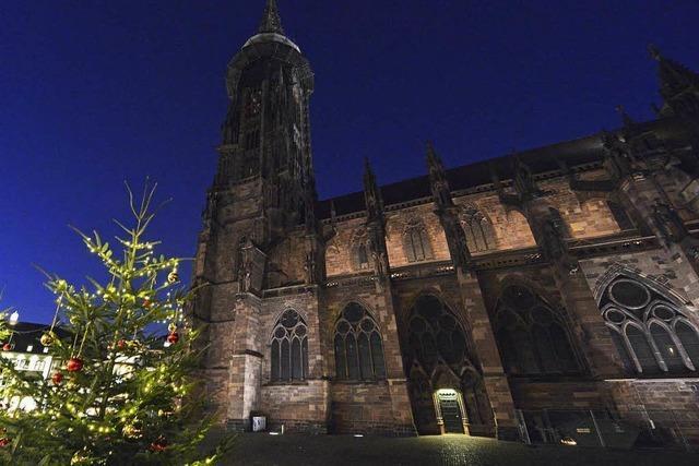 Stadt tauscht schwache Lichtanlage am Münster aus