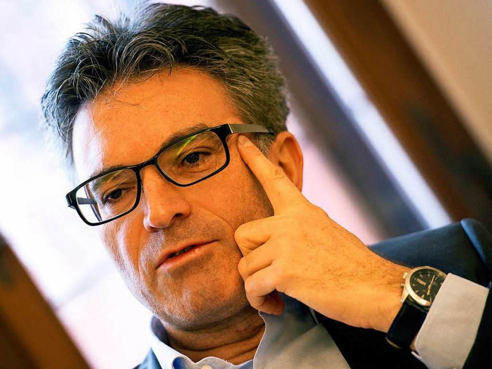 Dieter Salomon ist ein gefragter Gast.  | Foto: dpa
