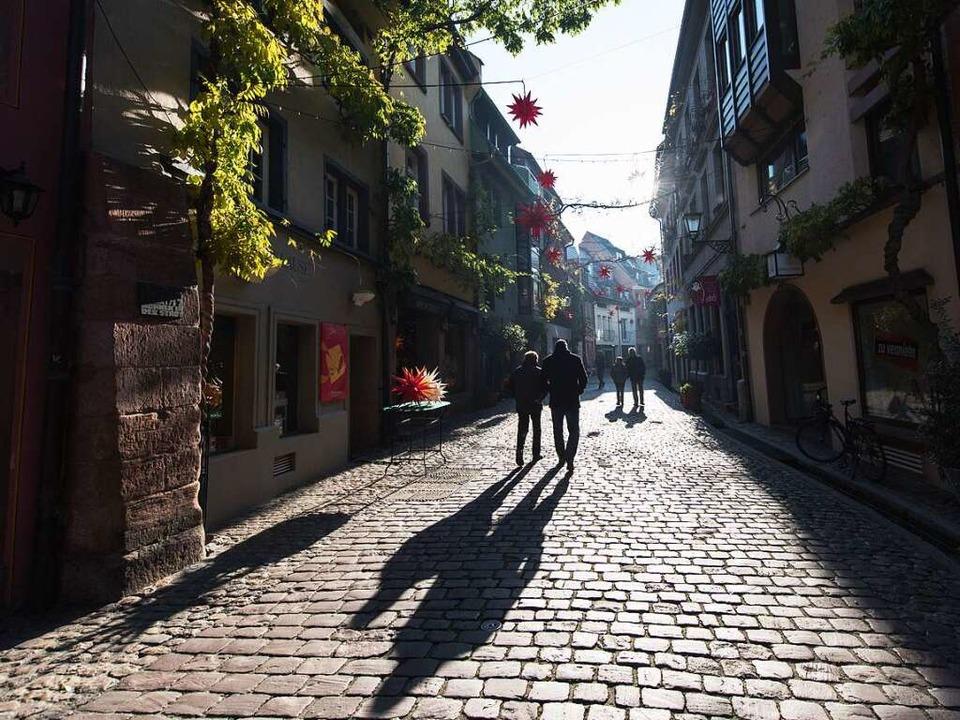 Viele Menschen in Freiburg sind tief betroffen.  | Foto: dpa