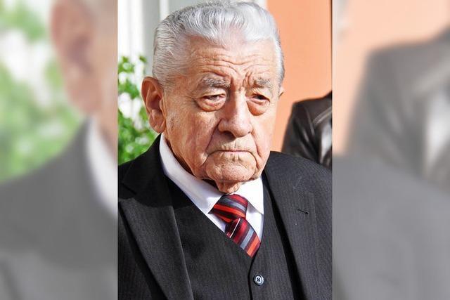 Trauerfeier für Altbürgermeister Artur Köbele