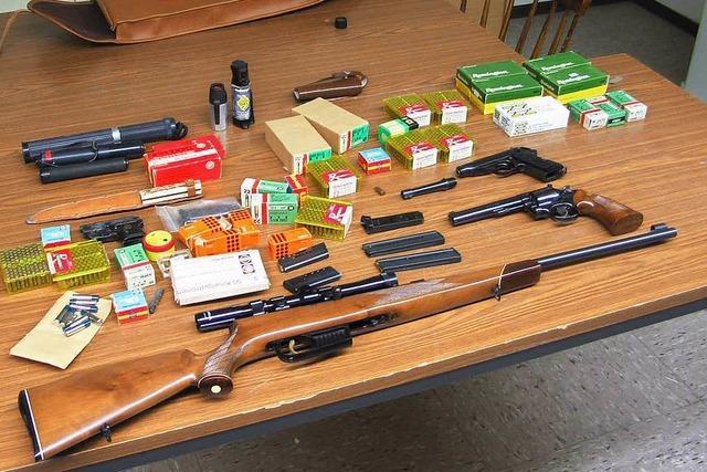 Polizei findet Waffen in der Wohnung eines Reichsbürgers