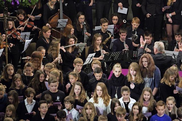 Chor, Orchester und Solisten des Schillergymnasiums