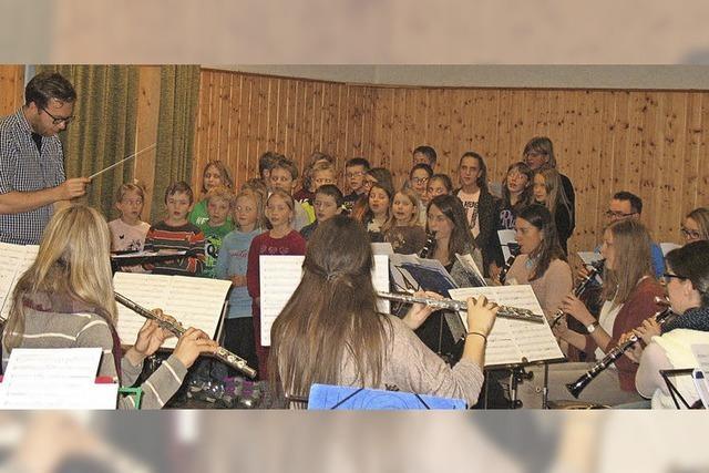 Musikverein Waldau und Grundschulchor in Waldau