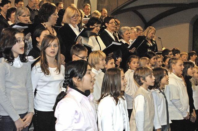 Kooperationschören Sponti-Chor und Schulchören in Müllheim