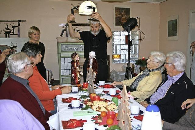 AWO lässt für Senioren die Puppen tanzen