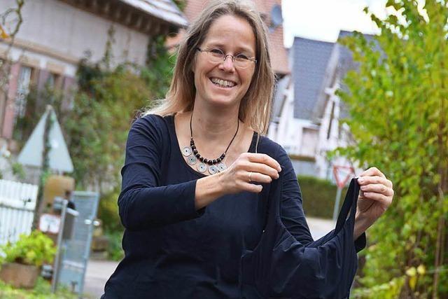 Pfarrerin Renate Malter schwimmt am Sonntag durch den Grünlochlochsee
