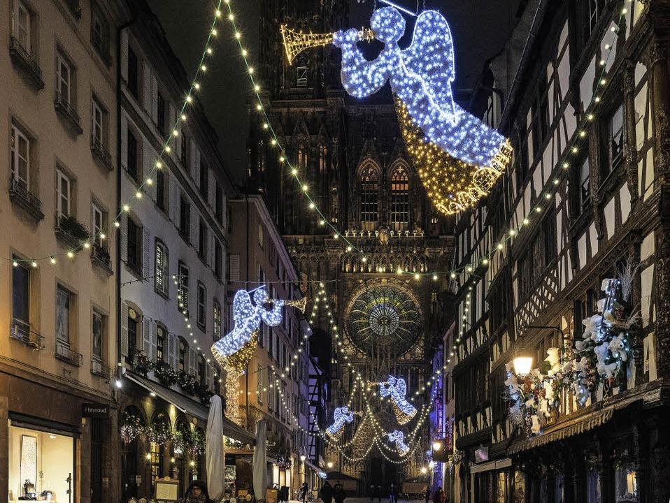 Weihnachtsbeleuchtung Engel.Krippe Muss Sicherheitsvorkehrungen Weichen Straßburg Badische