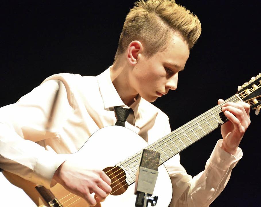 Gitarrist Sergej Fedorov brilliert als... wollen das Krokodil schlafen lassen.     Foto: Ruda