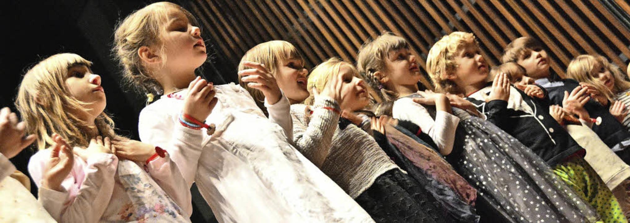 """Mit vollem Einsatz: """"Wir sind di...nder der musikalischen Früherziehung.     Foto: Barbara Ruda"""