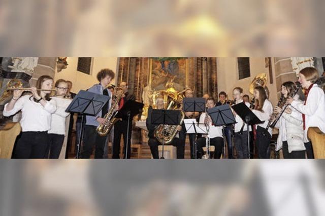 Weihnachtliche Klänge im Kirchenschiff