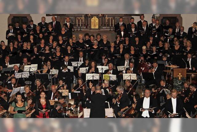 Werke von Dvorak und Rachmaninov in der Erwin-Braun-Halle Oberkirch