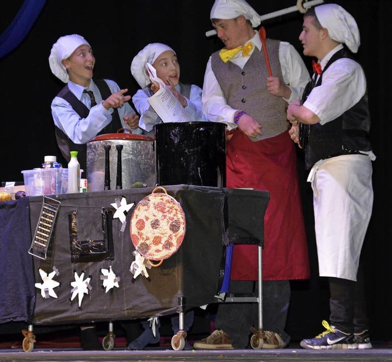 Die Cracks zeigten eine Kochshow mit viel Klamauk  | Foto: Danielle Hirschberger