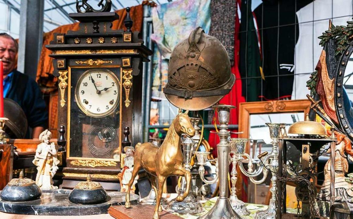 Auch antike Schätze gibt es auf den Flohmärkten der SüMa Maier zu finden.  | Foto: Bernhard Rein