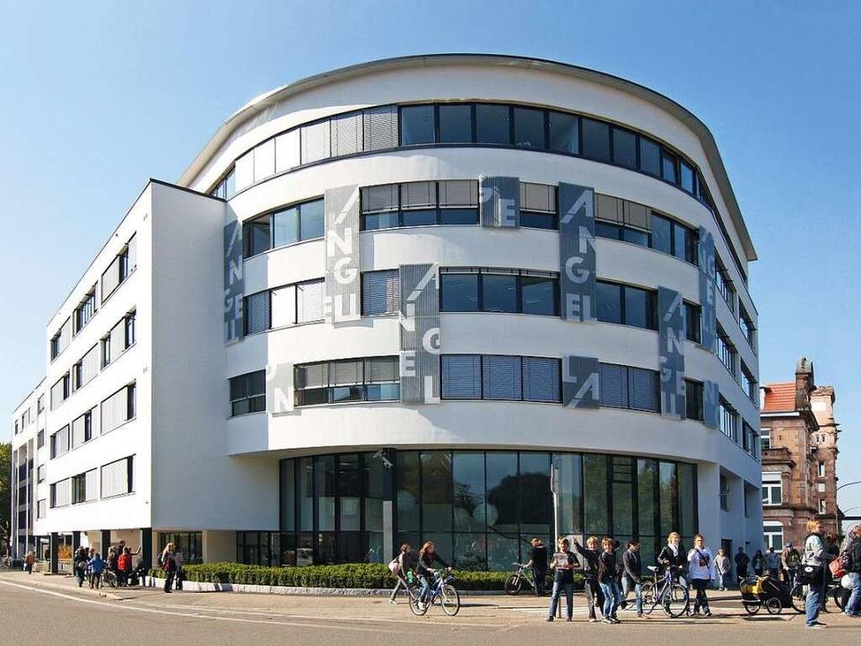 Das Akademiegebäude an der Freiburger Kronenbrücke  | Foto: ANGELL Akademie