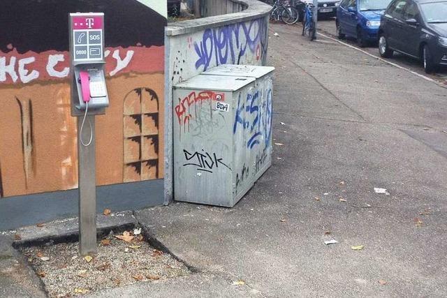Basistelefon statt Telefonzelle – Bürger stinksauer