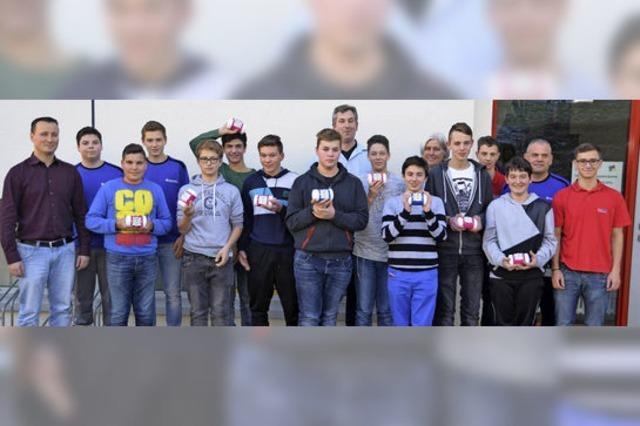 Schüler bauen eigenen Handy-Lautsprecher