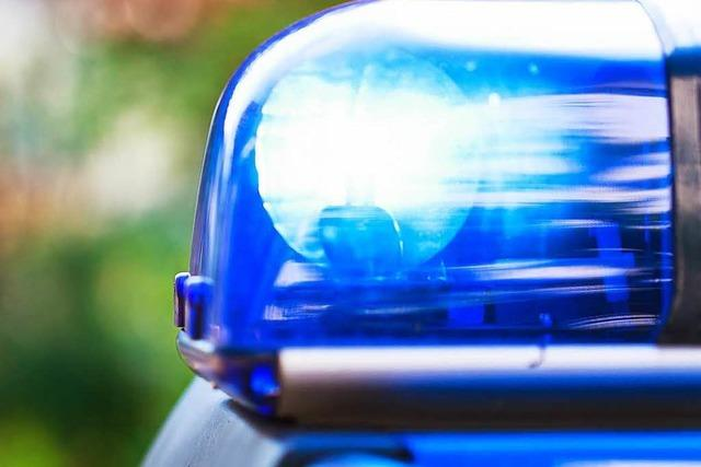 Autofahrer stirbt bei Unfall bei Donaueschingen-Allmendshofen