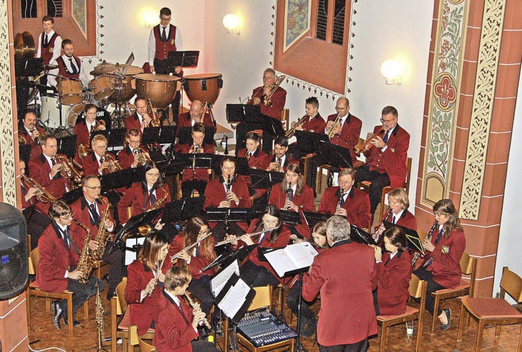 Stimmte die Zuhörer auf Weihnachten ein: der Musikverein Sexau   | Foto: Christian Ringwald