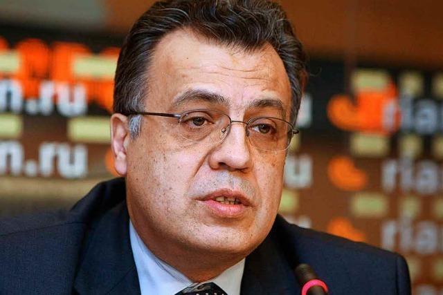 Russischer Botschafter in der Türkei nach Attentat gestorben