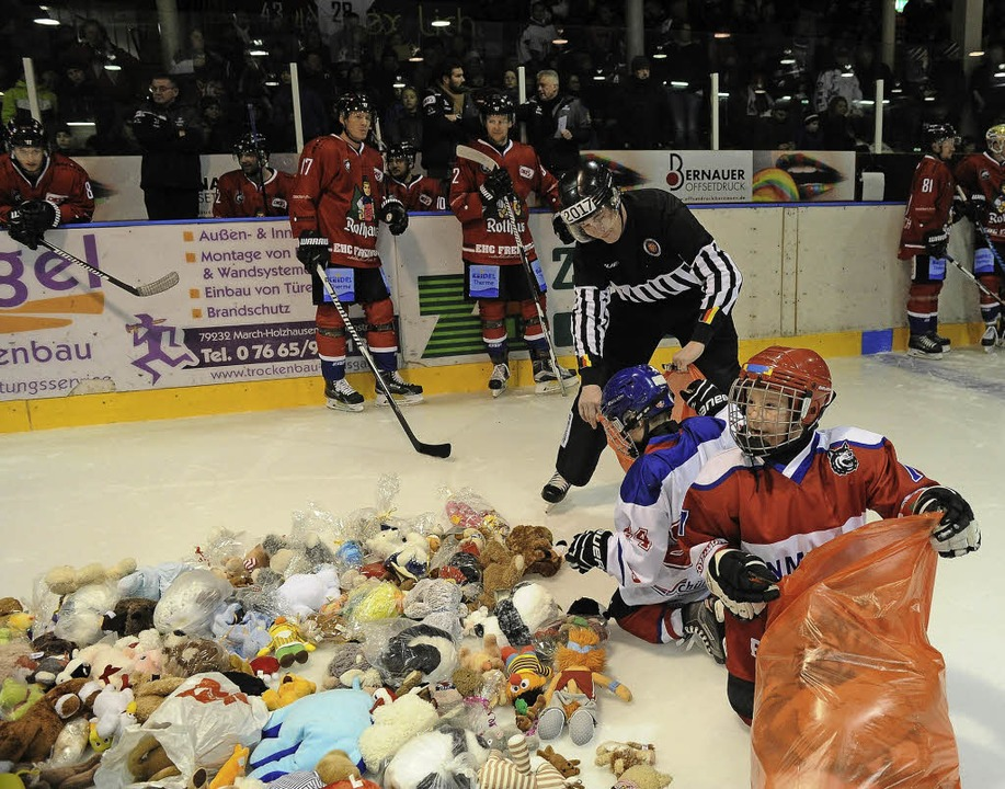 Toys 2793 Ehc Toss Teddybear presso Plush Flogen Des Aufs Freiburg wXZPiuTkO