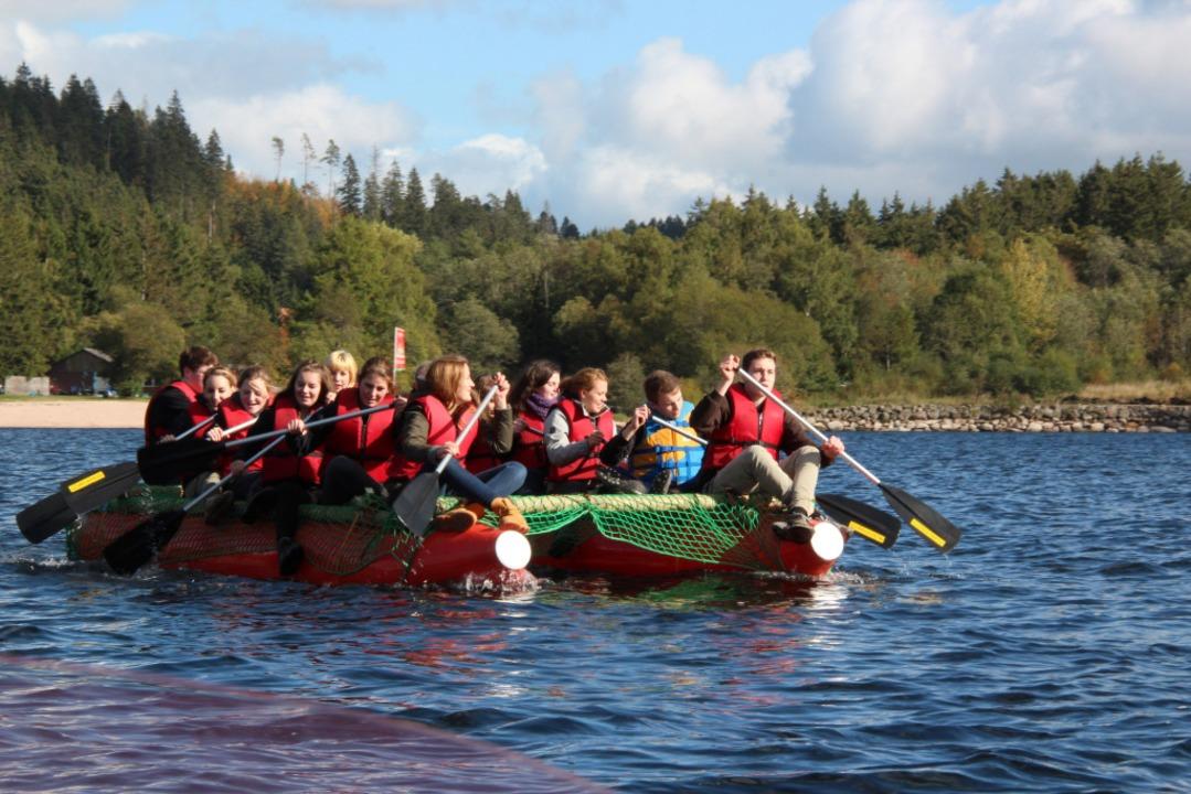 Beim Klassenausflug wird Teamwork trainiert.  | Foto: ANGELL Akademie