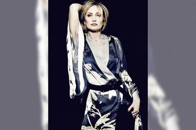 Die grande dame des französischen Chansons bringt ihr neues Album mit