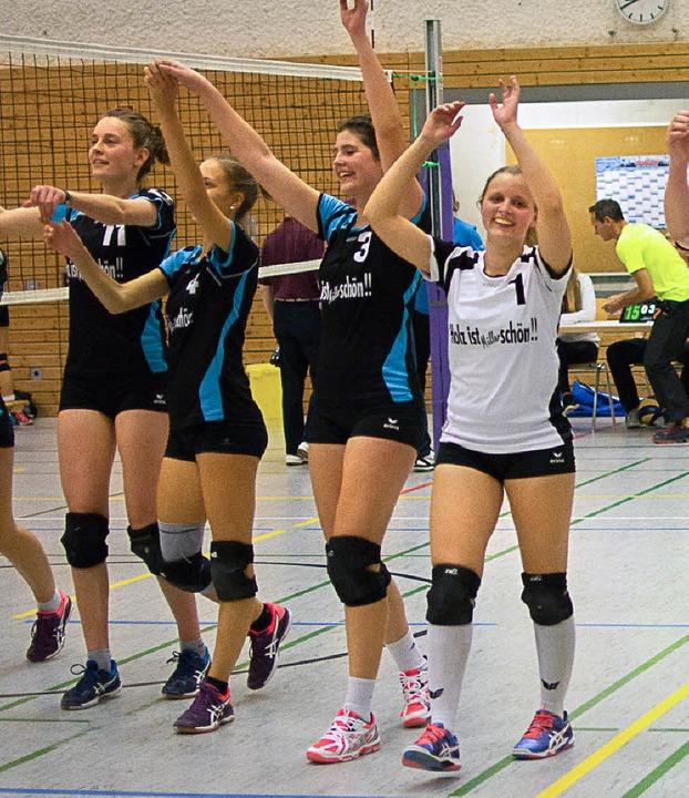 Die Umkircherinnen freuen sich über de...Roos, Paula Winter und Marlien Ruetz.     Foto: Kreienkamp