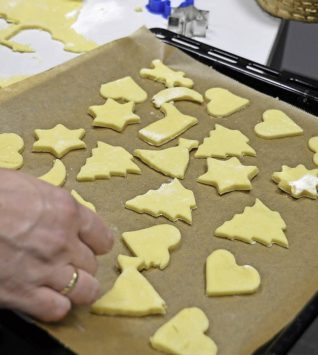 Süße Tradition: Plätzchen backen gehört zum Advent.   | Foto: Gollin