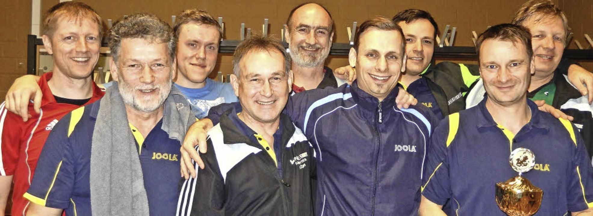 Die neun besten Spieler unter sich:  (...cke, Redo Dickhaut  und  Rainer Selz.     Foto: Katharina Maß