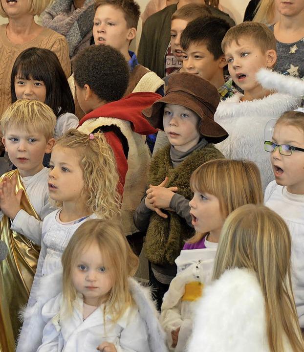 Der Kinderchor studiert viele Lieder ein.     Foto: Horatio Gollin