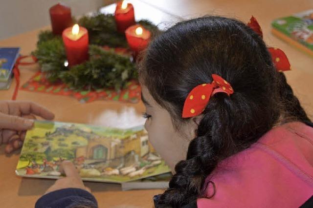 An der Johann-Peter-Hebel-Grundschule in Gundelfingen sprechen Flüchtlingskinder über Weihnachten