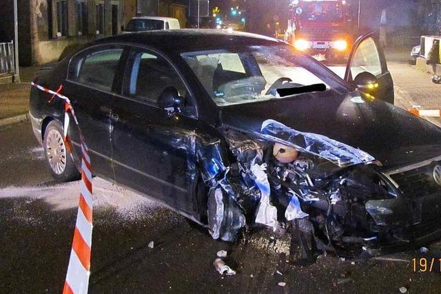 Chaosfahrt durch Wyhlen: Betrunkener verursacht große Schäden