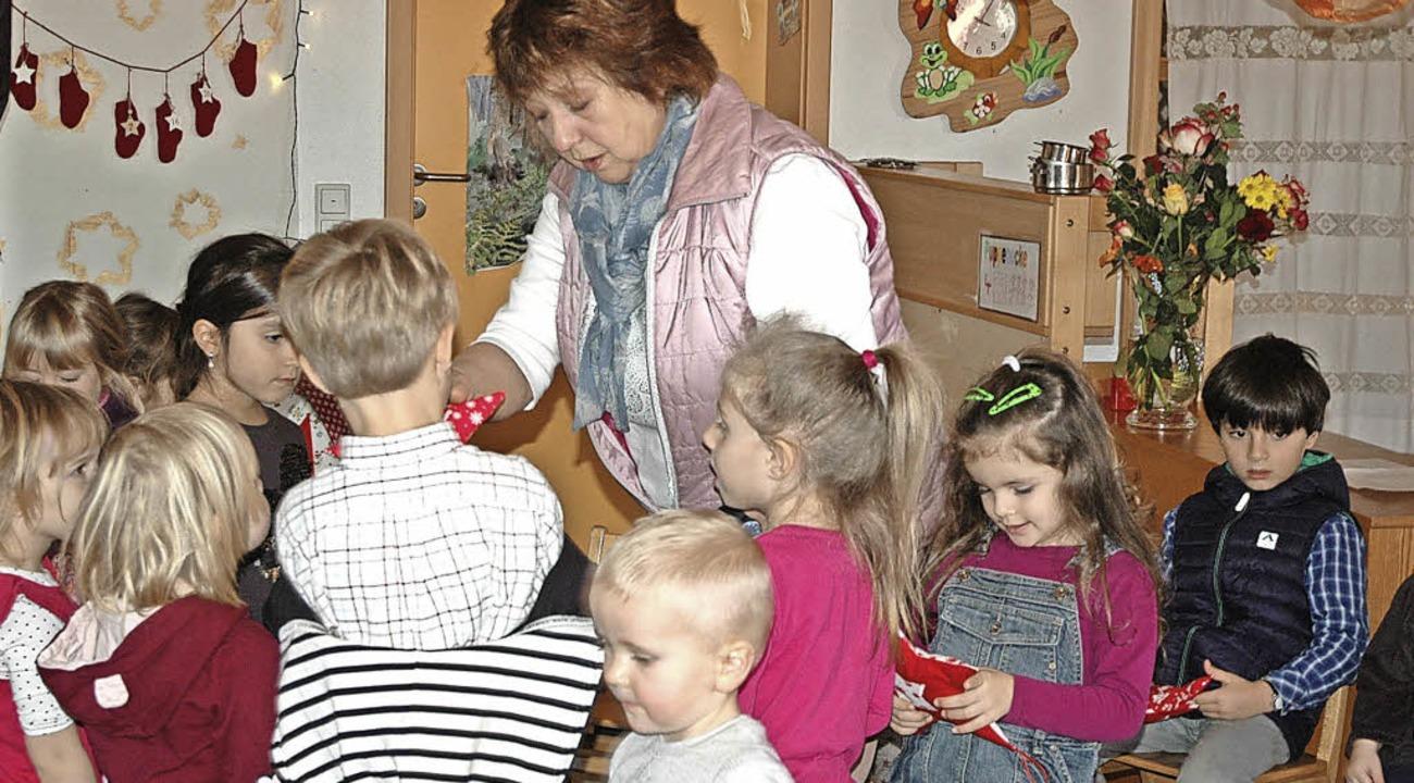 Abschied von den Kindern: Erzieherin I...Kindergarten Häusern in den Ruhestand.  | Foto: Christiane Sahli